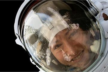 Não sẽ phình to khi du hành dài ngày ngoài không gian?