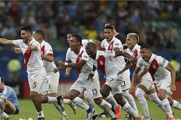 Bị VAR ba lần từ chối bàn thắng, Uruguay dừng bước sau loạt đấu súng