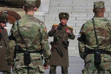 """Triều Tiên thay toàn bộ lính biên phòng, """"trảm"""" tướng sau vụ binh sĩ đào tẩu"""