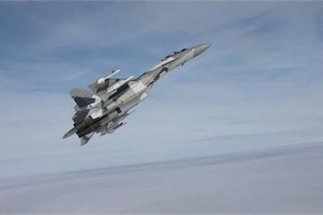 Tiêm kích Nga bất ngờ xuất hiện ở biên giới Syria, máy bay Israel hủy ngay không kích