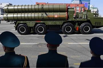 """Cận cảnh hệ thống S-400, Pantsir-S1 của Nga lần đầu """"xuất ngoại"""" tập trận"""