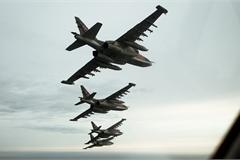 """Nga tung Su-25 đánh phủ đầu Thổ Nhĩ Kỳ, Su-24 """"suýt dính"""" tên lửa ở Syria"""