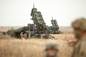 """S-400 sắp kích hoạt, Thổ Nhĩ Kỳ """"cay đắng"""" thừa nhận Mỹ không điều Patriot hỗ trợ"""