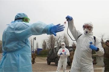 'Ngày kinh hoàng nhất': Italy hơn 900 người chết vì Covid-19, chuyên gia Nga 'ra tay'