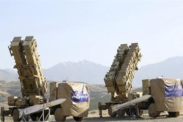 Iran đưa hàng chục hệ thống tên lửa tới eo biển Hormuz, trực chiến tấn công Mỹ?