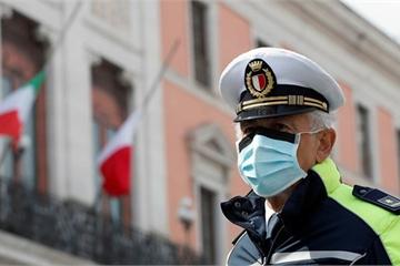 TQ bán hàng triệu bảo hộ và khẩu trang cho Nga, 15.000 ca tử vong vì Covid-19 ở Italy