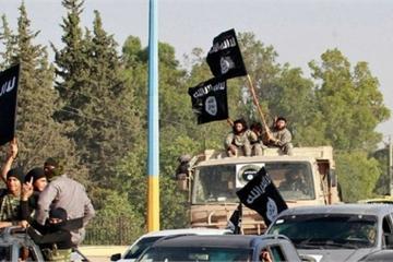 """IS """"manh động"""" tấn công quân đội Syria, chiến đấu cơ Nga lập tức rời căn cứ Hmeymim"""