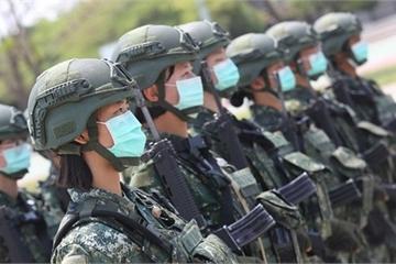 Phát hiện 3 lính mắc Covid-19, quân đội Đài Loan nhận lệnh đeo khẩu trang cả ngày