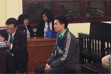 """Xét xử vụ chạy thận: Tranh cãi về """"chữ ký chia sẻ"""" của bác sỹ Hoàng Công Lương"""