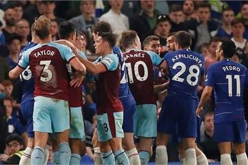 HLV Sarri bị truất quyền chỉ đạo, Chelsea chia điểm sau trận cầu điên rồ
