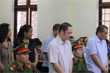 Nói lời sau cùng, bị cáo Nguyễn Thanh Hoài xin lại gia phả dòng họ cho con xem