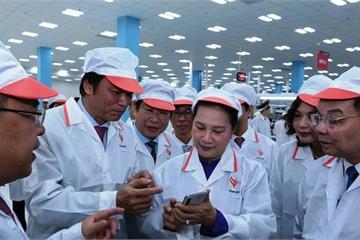 Chủ tịch Quốc hội Nguyễn Thị Kim Ngân thăm và làm việc tại Khu CNC Hòa Lạc