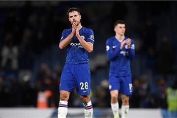 """Vòng 19 Ngoại hạng Anh: Chelsea hào phóng """"tặng quà"""" đối thủ dịp Boxing Day"""