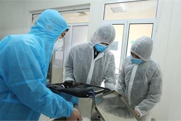 Chế tạo thành công robot lau sàn khử khuẩn phòng bệnh, hỗ trợ phòng chống COVID-19