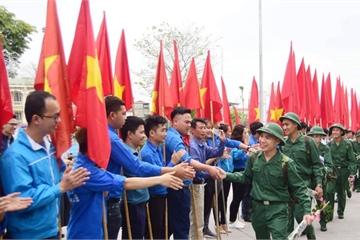 Gần 4.000 thanh niên Thủ đô Hà Nội lên đường nhập ngũ
