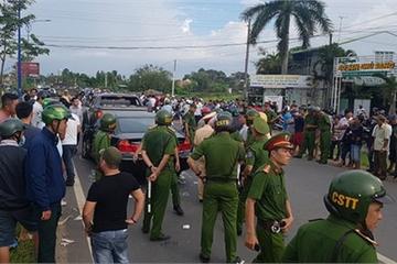 Tạm đình chỉ 2 cán bộ công an bị giang hồ bao vây trên xe ở Đồng Nai
