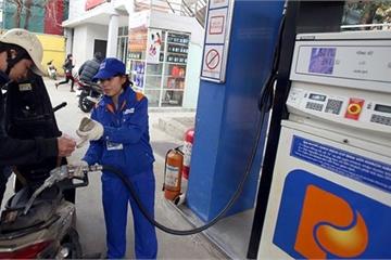 Quỹ bình ổn xăng dầu tại Petrolimex âm 240 tỷ đồng
