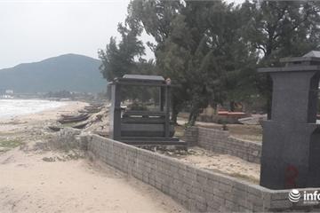 """Hà Tĩnh: Vướng quy hoạch """"treo"""", biển uy hiếp nhà dân, đang """"nuốt"""" hàng trăm ngôi mộ"""