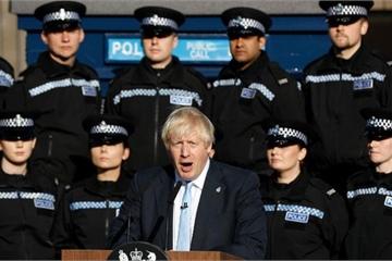 """""""Sóng gió"""" bủa vây Thủ tướng Anh Johnson, thỏa thuận Brexit """"lao đao"""""""
