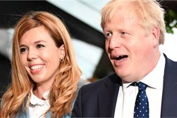 Thủ tướng Anh và bạn gái chuẩn bị đón con đầu lòng