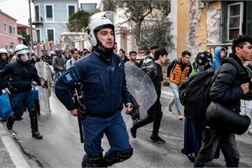 """""""Tiếng khóc"""" của người tị nạn và cuộc ngã giá Thổ Nhĩ Kỳ - châu Âu"""