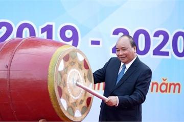 Thủ tướng Nguyễn Xuân Phúc đánh trống khai giảng năm học mới 2019-2020