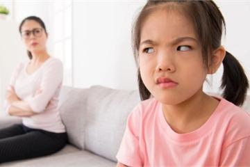 Con gái dỗi không ăn cơm chỉ vì bố mẹ không cho mua điện thoại 30 triệu
