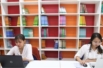 """Bộ GD&ĐT: """"Học sinh chưa trở lại trường nhưng việc học không gián đoạn"""""""
