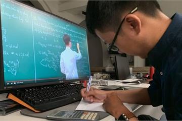 Xúc động tâm thư của giảng viên kêu gọi sinh viên học online vì tương lai tươi sáng