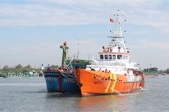 Vũng Tàu: Điều tàu SAR ra cứu tàu cá của ngư dân bị phá nước