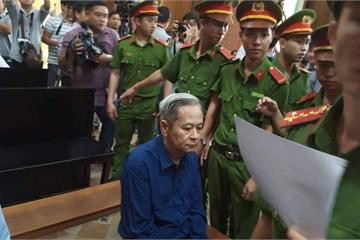 Chủ tọa xét xử Nguyễn Hữu Tín: Hồ sơ có tài liệu mật, tối mật