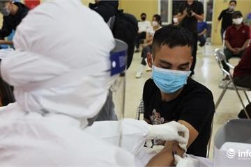 Hơn 200 tiểu thương chợ Long Biên hồi hộp chờ kết quả test nhanh Covid-19