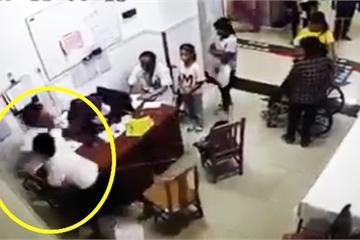 Bác sĩ 'tay đôi' đánh nhau: Mừng vì bác sĩ biết phản kháng, buồn vì thiếu kỹ năng