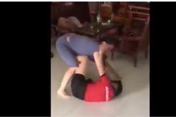 Xôn xao clip mẹ chồng vật ngửa, túm tóc đánh nhau với nàng dâu ở Lào Cai