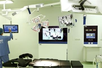 Bệnh viện Hữu nghị Việt Đức đầu tư thêm hai phòng mổ chất lượng cao