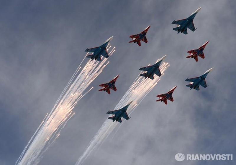 Những hình ảnh ấn tượng nhất tại Lễ duyệt binh Nga 9/5/2015 - ảnh 9