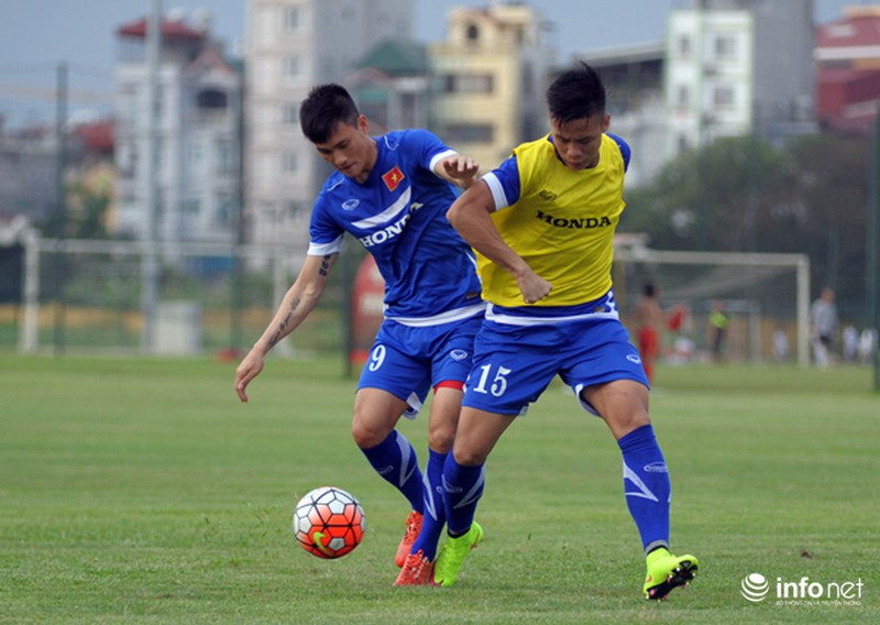 Xem tuyển thủ CLB ManCity và đội tuyển Việt Nam tập luyện trước trận đấu - ảnh 3