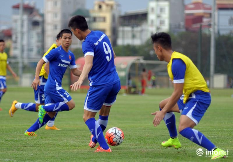 Xem tuyển thủ CLB ManCity và đội tuyển Việt Nam tập luyện trước trận đấu - ảnh 4