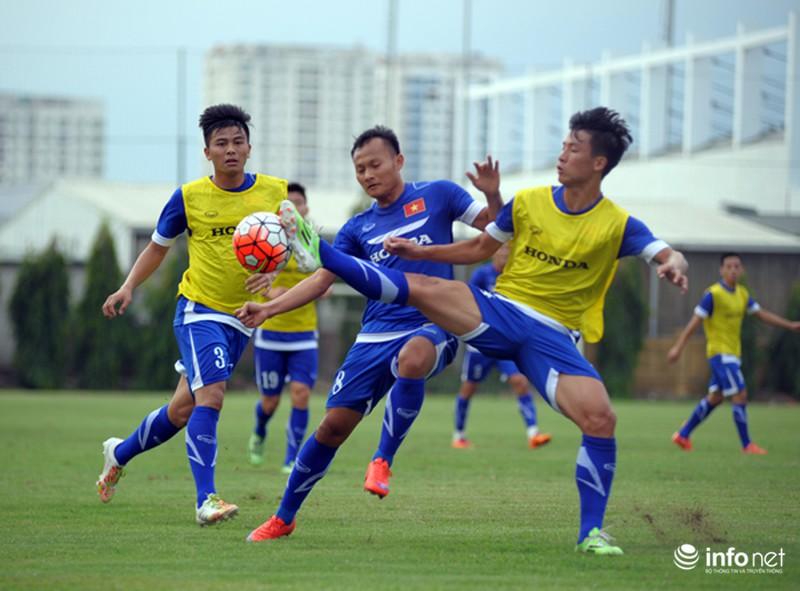 Xem tuyển thủ CLB ManCity và đội tuyển Việt Nam tập luyện trước trận đấu - ảnh 5