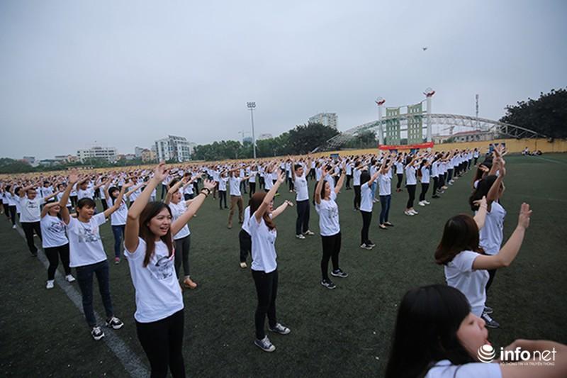 Hàng trăm bạn trẻ quay MV bài hát của cố nhạc sĩ Trần Lập - ảnh 2