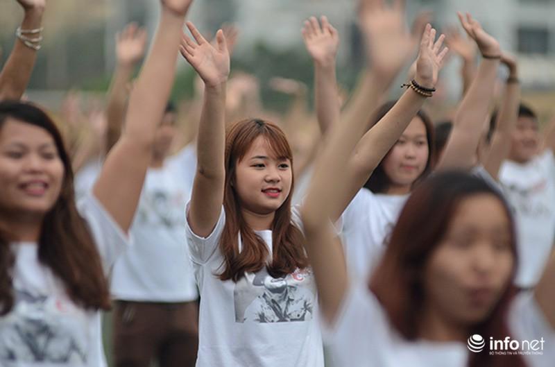 Hàng trăm bạn trẻ quay MV bài hát của cố nhạc sĩ Trần Lập - ảnh 3
