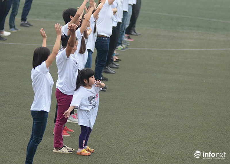 Hàng trăm bạn trẻ quay MV bài hát của cố nhạc sĩ Trần Lập - ảnh 5