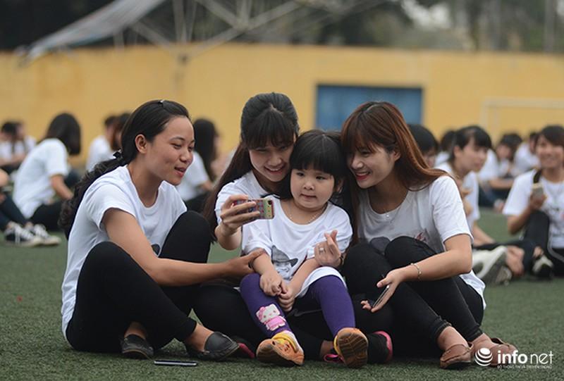Hàng trăm bạn trẻ quay MV bài hát của cố nhạc sĩ Trần Lập - ảnh 6