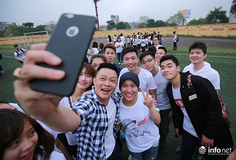 Hàng trăm bạn trẻ quay MV bài hát của cố nhạc sĩ Trần Lập - ảnh 10