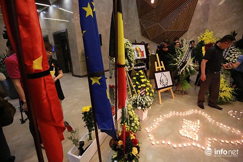 Người dân Hà Nội tưởng nhớ nạn nhân bị đánh bom tại Bỉ - ảnh 1
