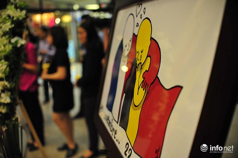 Người dân Hà Nội tưởng nhớ nạn nhân bị đánh bom tại Bỉ - ảnh 7