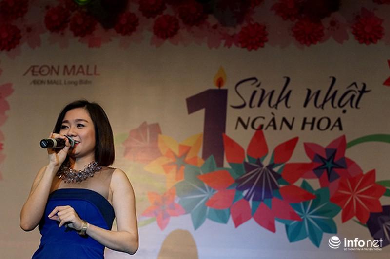 Hàng ngàn cô gái trẻ phát cuồng khi Noo Phước Thịnh xuất hiện - ảnh 9