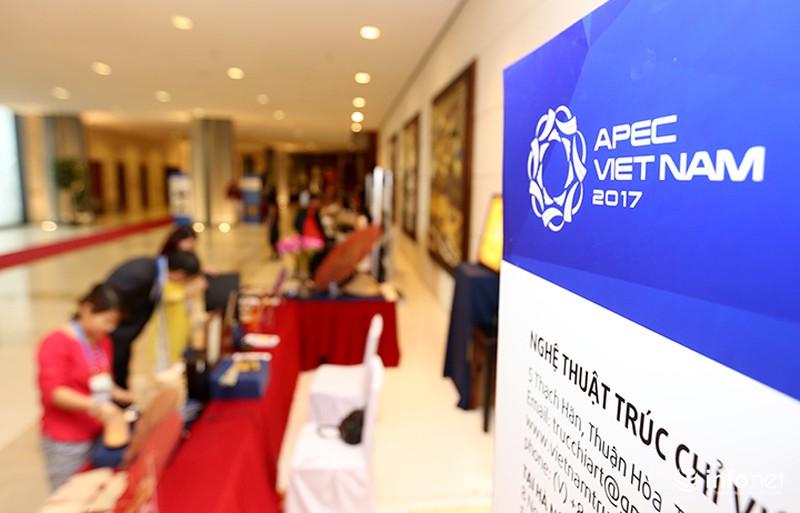 Sản phẩm trúc chỉ Việt Nam thu hút sự chú ý của đại biểu dự APEC - ảnh 2
