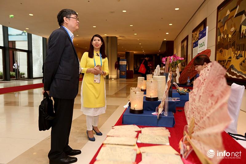 Sản phẩm trúc chỉ Việt Nam thu hút sự chú ý của đại biểu dự APEC - ảnh 9