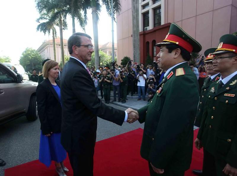 Hình ảnh toàn cảnh Bộ trưởng Quốc phòng Hoa Kỳ thăm Việt Nam - ảnh 1